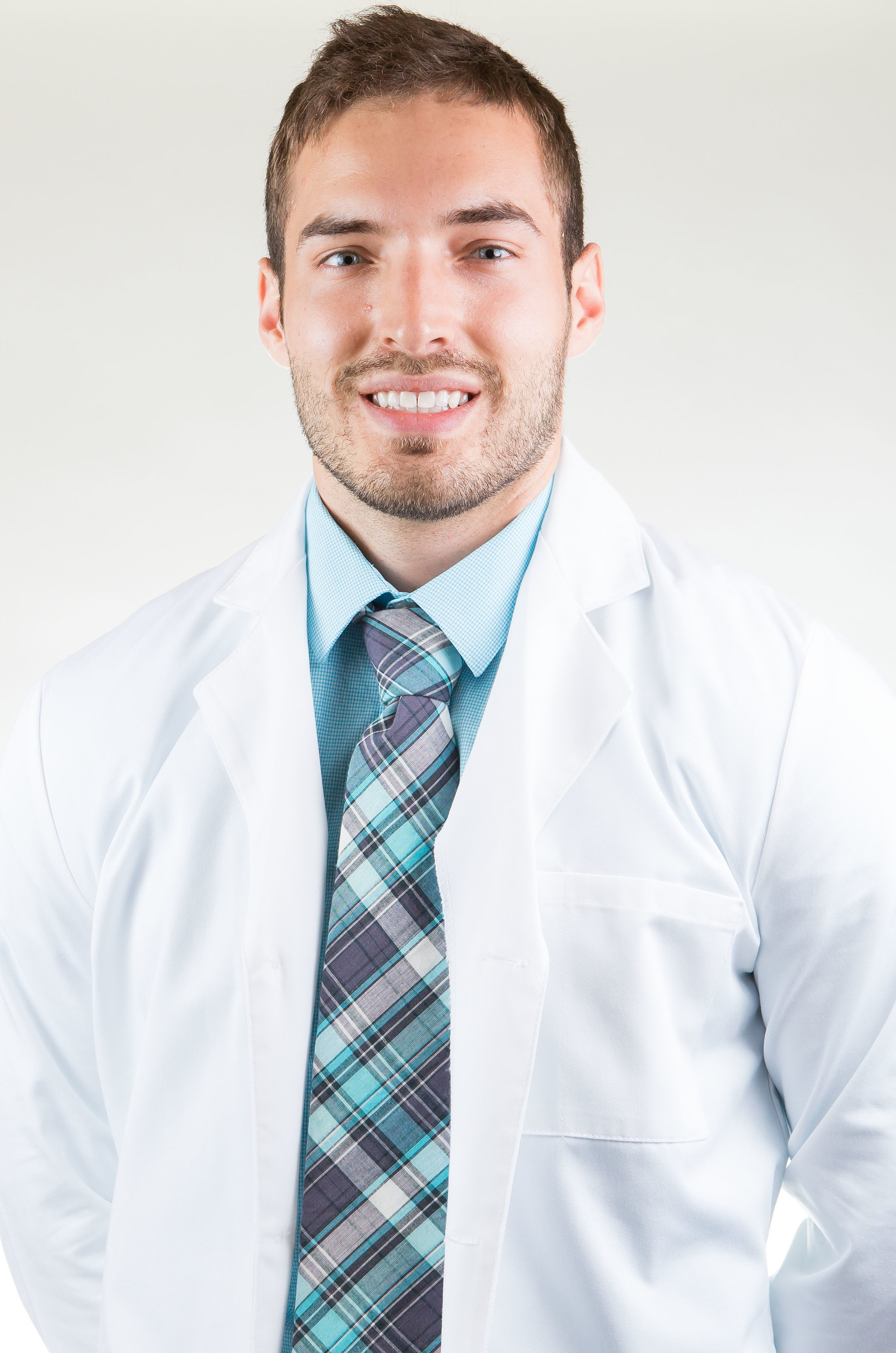 Dr. Zachary Neitzey general Dentist headshot