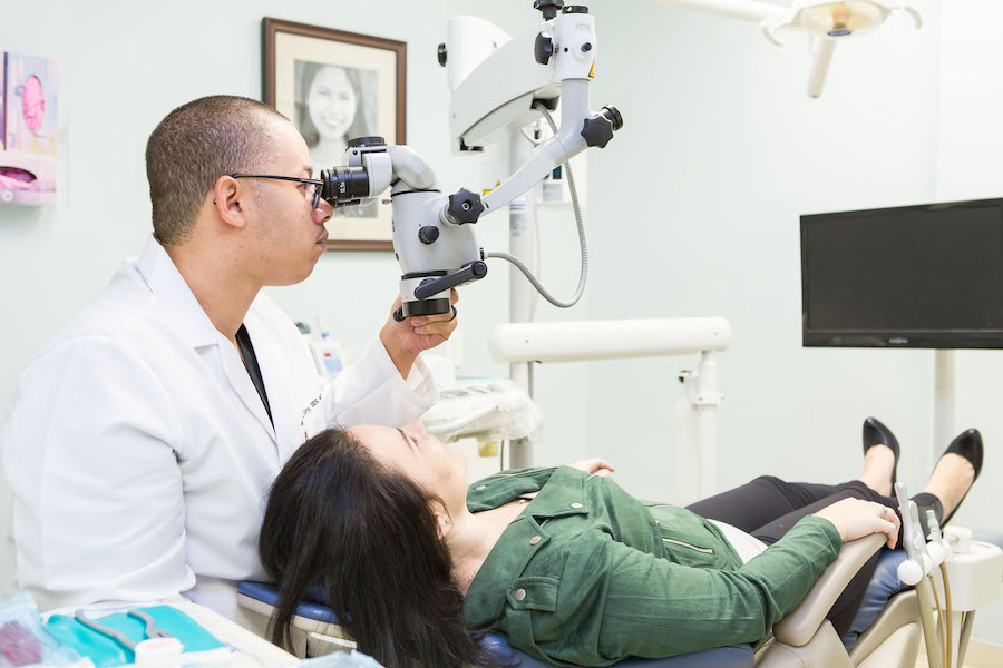 Endodontist Dr. Curry treating patient